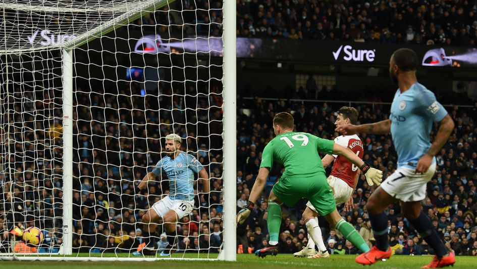 Sergio Aguero doubles Manchester City's tally against Arsenal