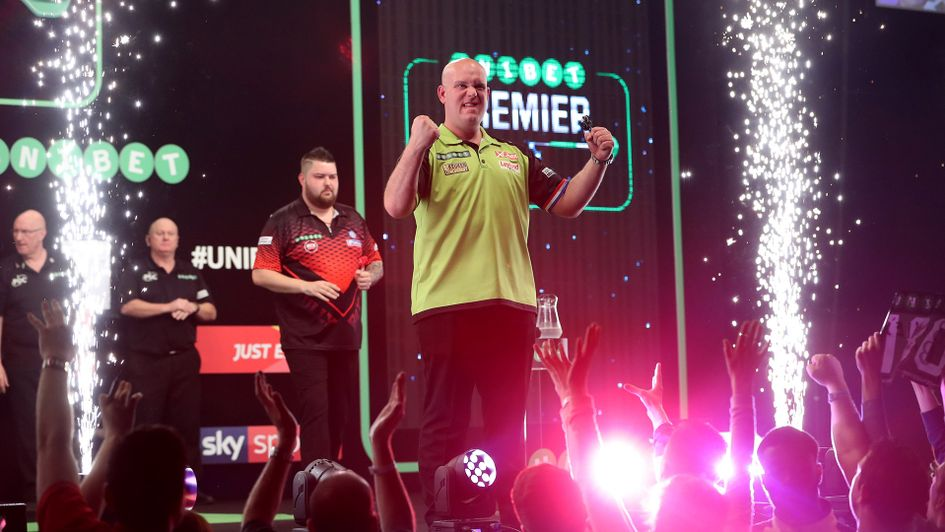 Michael van Gerwen celebrates against Michael Smith (Picture: Lawrence Lustig/PDC)