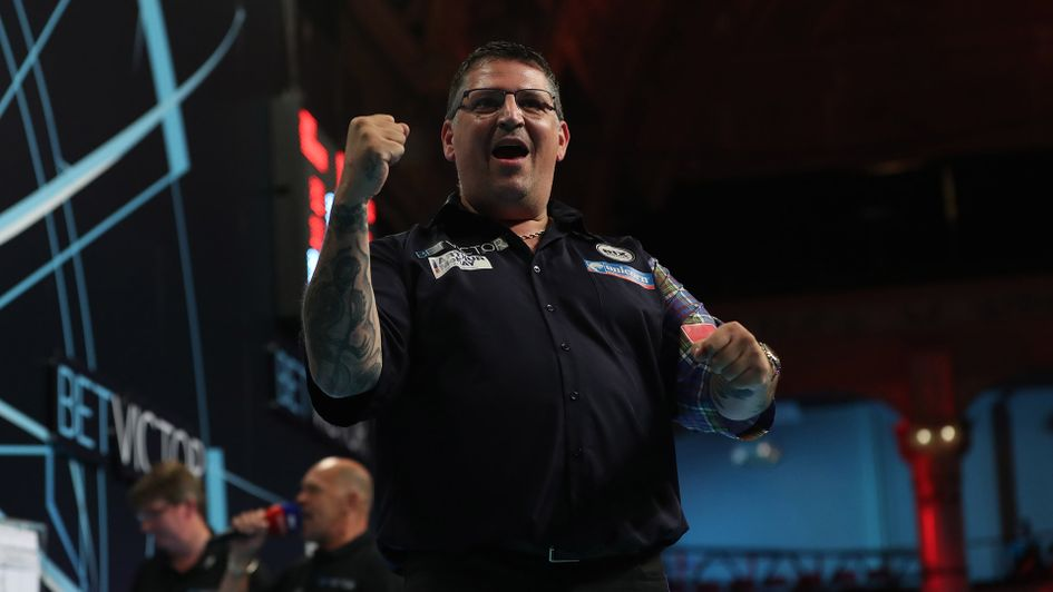 Gary Anderson won a World Matchplay thriller (Picture: Lawrence Lustig/PDC)